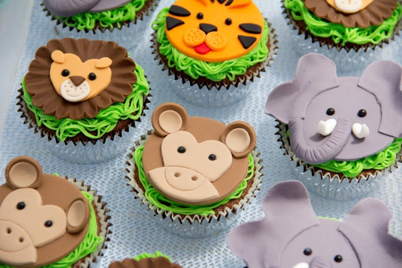 cakes-618102_1280